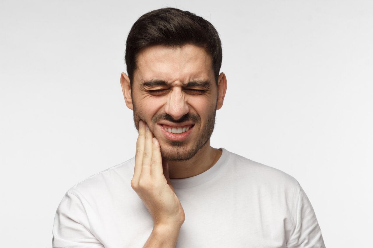 throbbing tooth pain that comes and goes